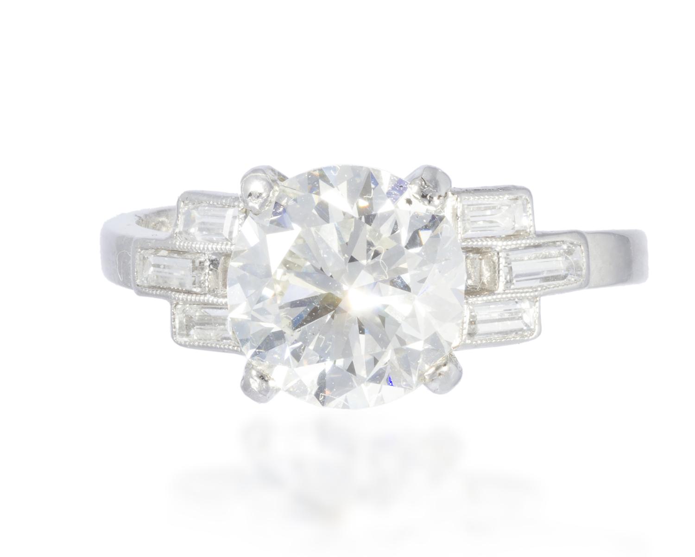 Lot 86: An Art Deco diamond ring Image