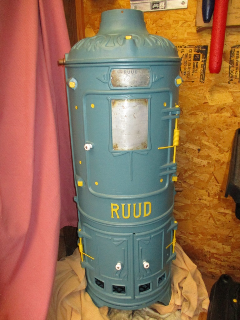 Cast Rion Hot Waterheaterm