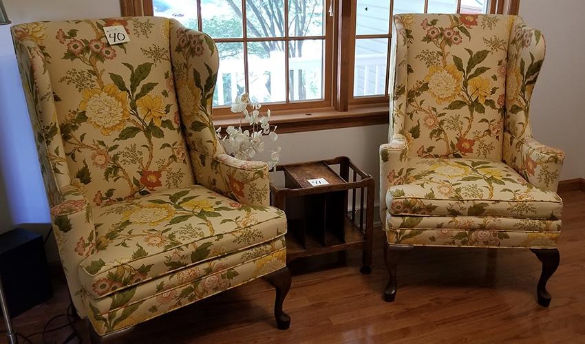 Pair O Chair