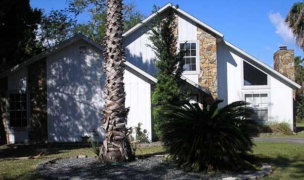 Live Auction: Single Family Home In Hernando Beach, FL