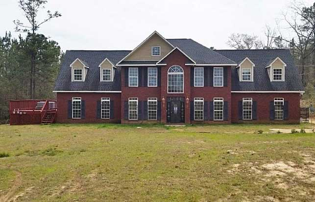 Live Auction: Single Family Home In Seale, AL