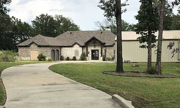 Live Auction: Single Family Home In Eustace, TX