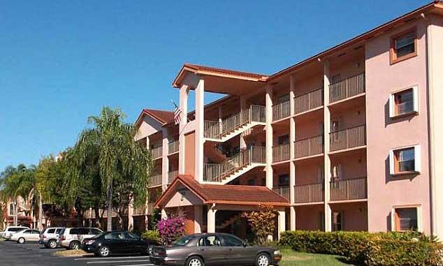 Online Auction: Condo Unit In Pembroke Pines, FL