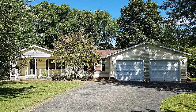 Live Auction: Single Family Home In Sardinia, OH