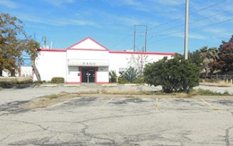 Live Auction: Commercial Building (3930 Sunset Drive) In San Angelo, TX