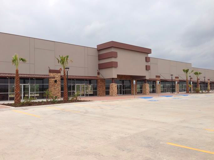 Live Auction: Shopping Center (Riverside Plaza, 2401 S. Shary Road) In Mission, TX