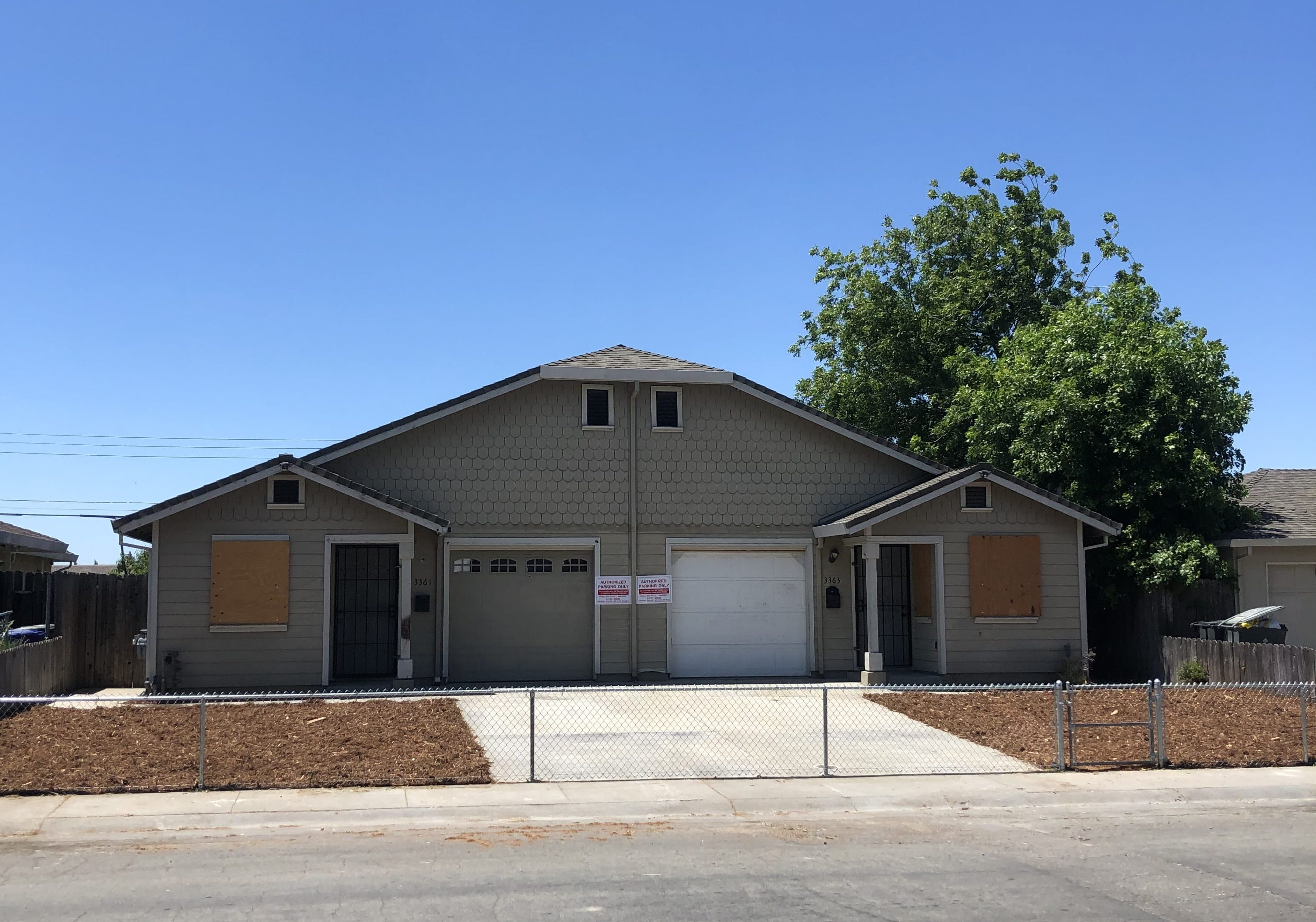 Live Auction: Residential Duplex (3361/3363 Western Avenue) In Sacramento, CA