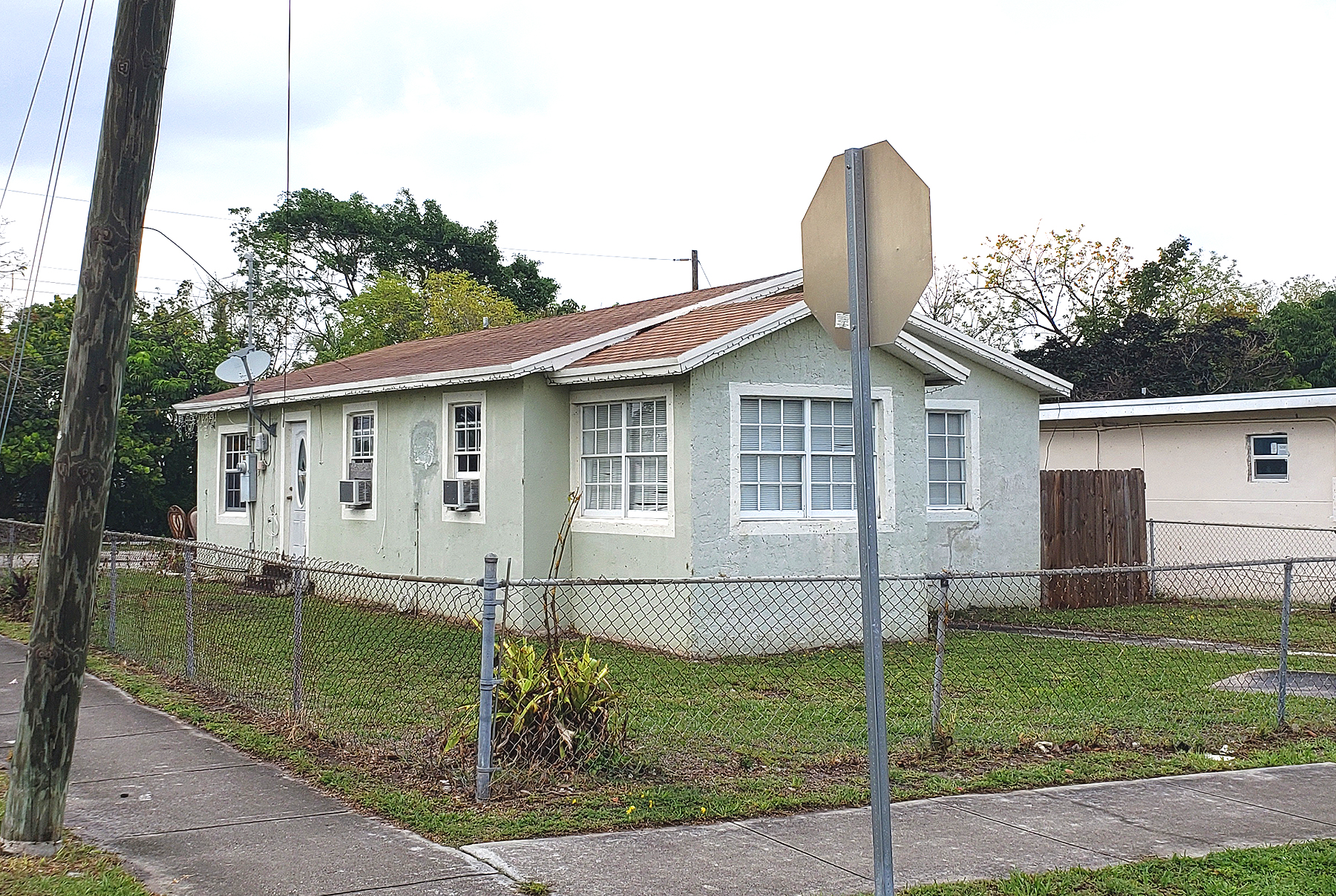 Live Auction: Single Family Home (524 NW 10th Street) In Hallandale, FL