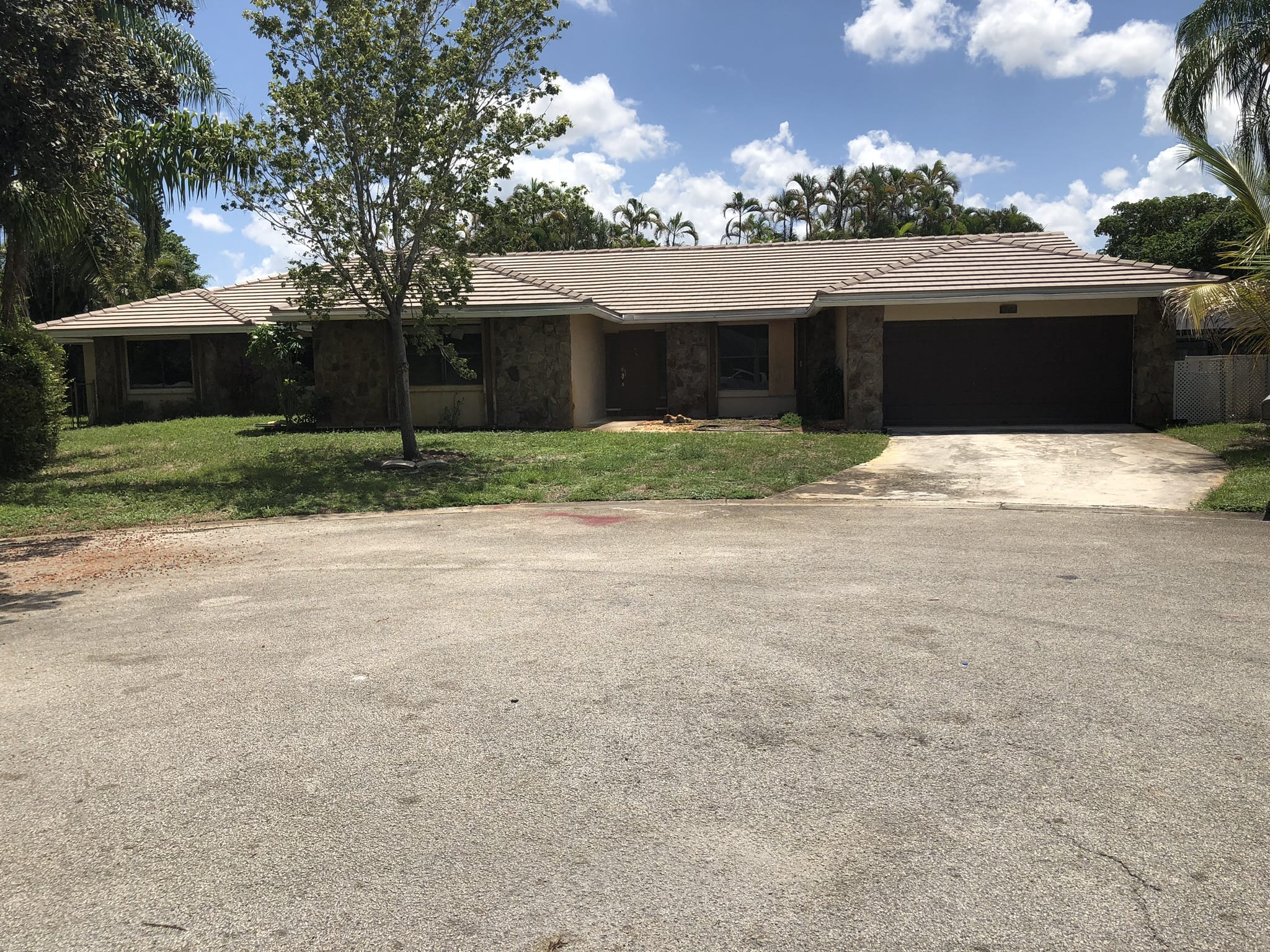 Online Auction: Single Family Home (1097 82nd Terrace) In Coral Springs, FL