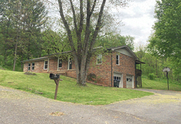Online Auction: Single Family Home (446 Hurd Road) In Kingsport, Tennessee