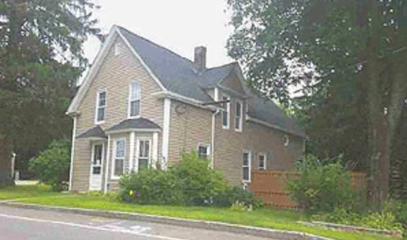 Live Auction: Single Family Home (64 Westville Road) In Plaistow, New Hampshire