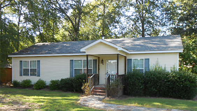 Online Auction: SF Home (1911 Smith Rd) In Newberry, South Carolina