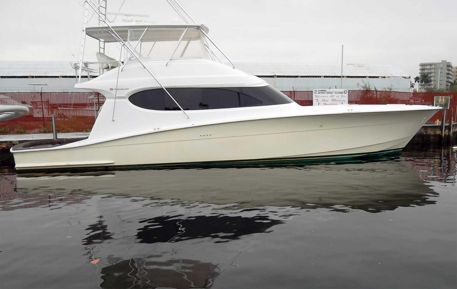 "2006 Hatteras Yacht 64′ Convertible Sportfisherman ""Odds & Ends"""