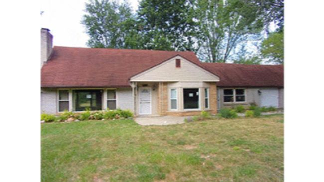 Online Auction: Single Family Home 28455 Shadylane Drive, Farmington Hills, MI
