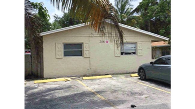 Online Auction: Residential Triplex 208 SW 1st Court, Pompano Beach, FL