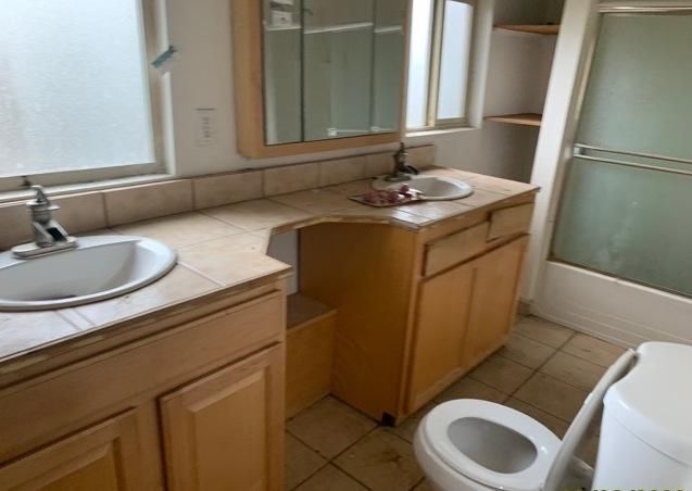 Bathroom 8310 37th Ave S, Seattle, WA (10)