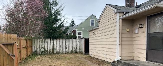 Online Auction: Single Family Home 6916 S. 124th Street, Seattle, Washington 98178