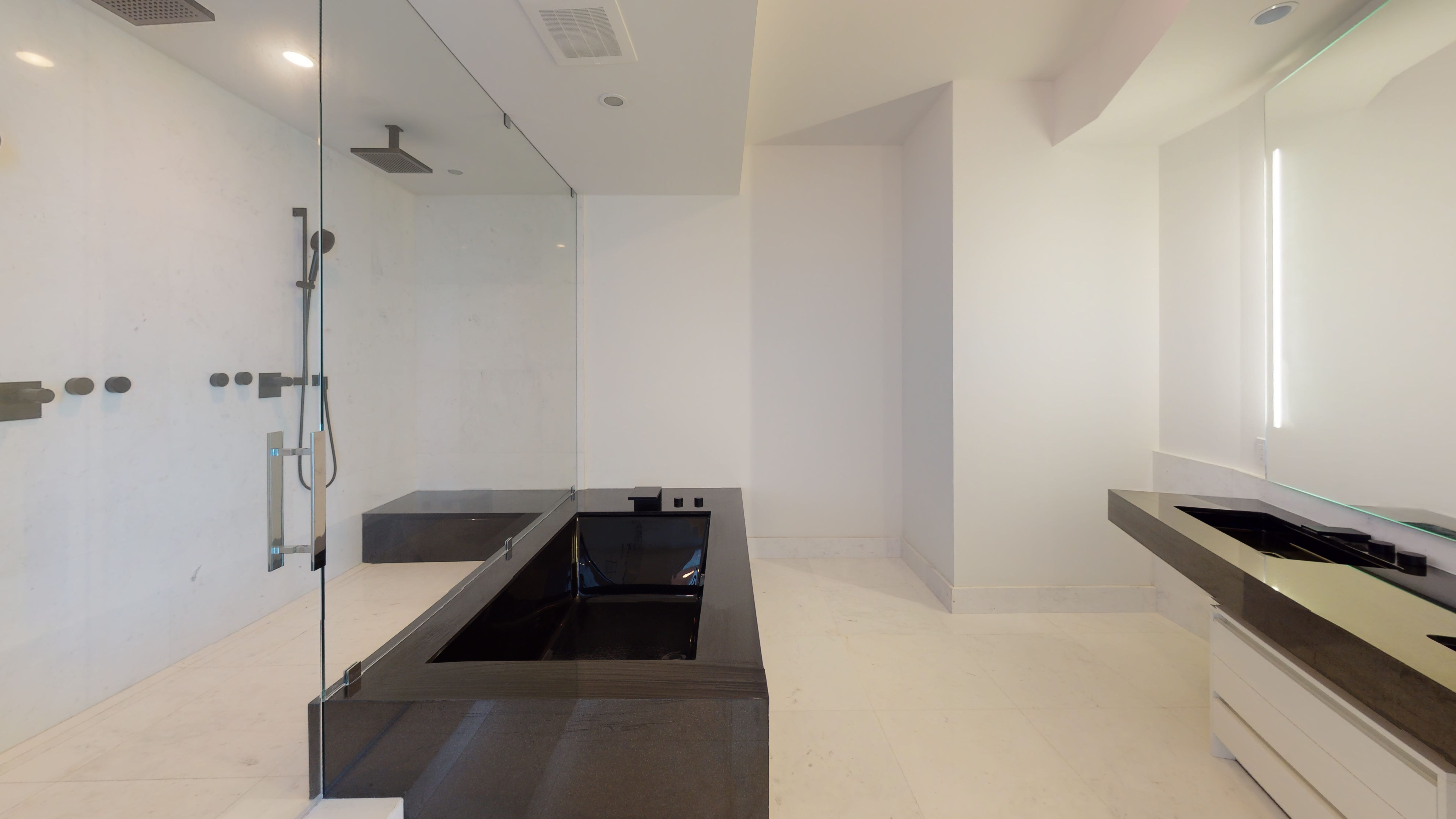 Porsche-Design-Tower-Unit-2205-Bathroom