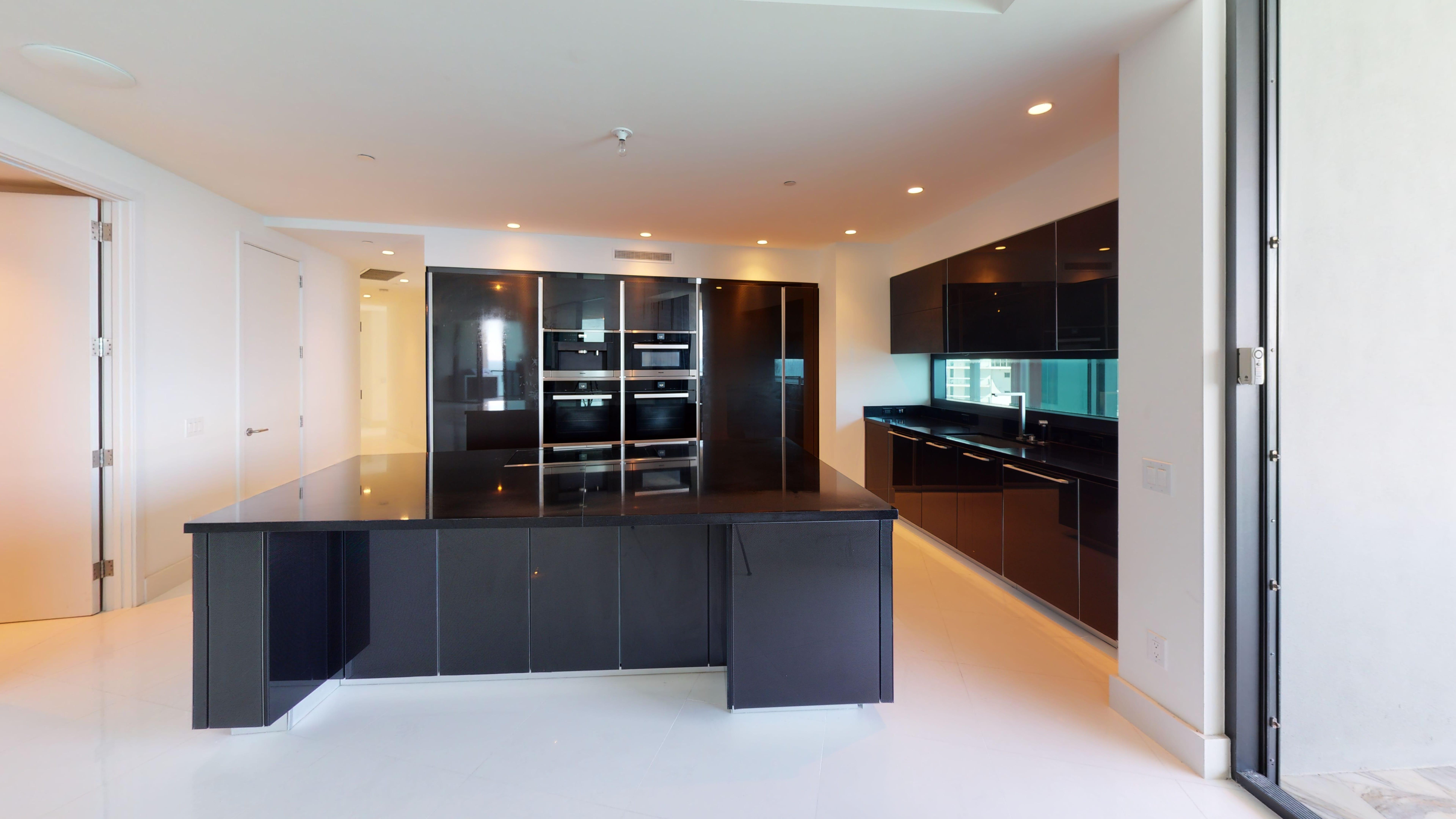 Porsche-Design-Tower-Unit-2205-Kitchen