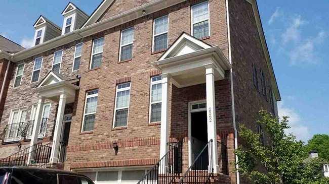 Online Auction: Townhouse 2562 Sibley Drive, Atlanta, Georgia 30324