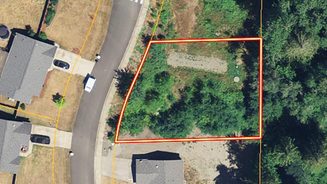 Online Auction: Vacant Land APN 8053-00-00004 Cody Street SE, Rainier, WA