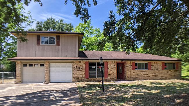 Online Auction: Single Family Home 4327 McFarland Circle, Orange, TX