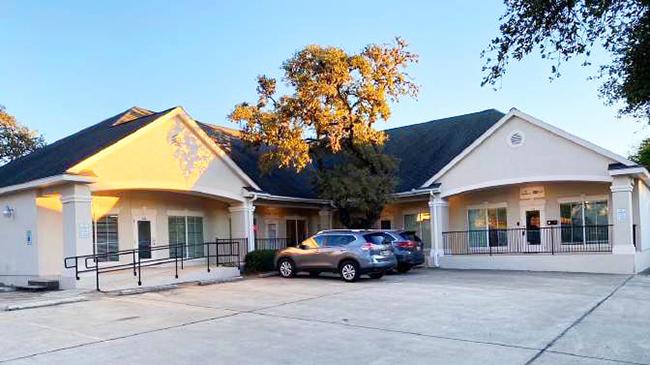 Online Auction: Commercial Property 1116-1132 W. Blanco Rd, San Antonio, TX