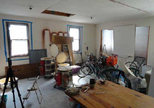 Garage 1-Interior