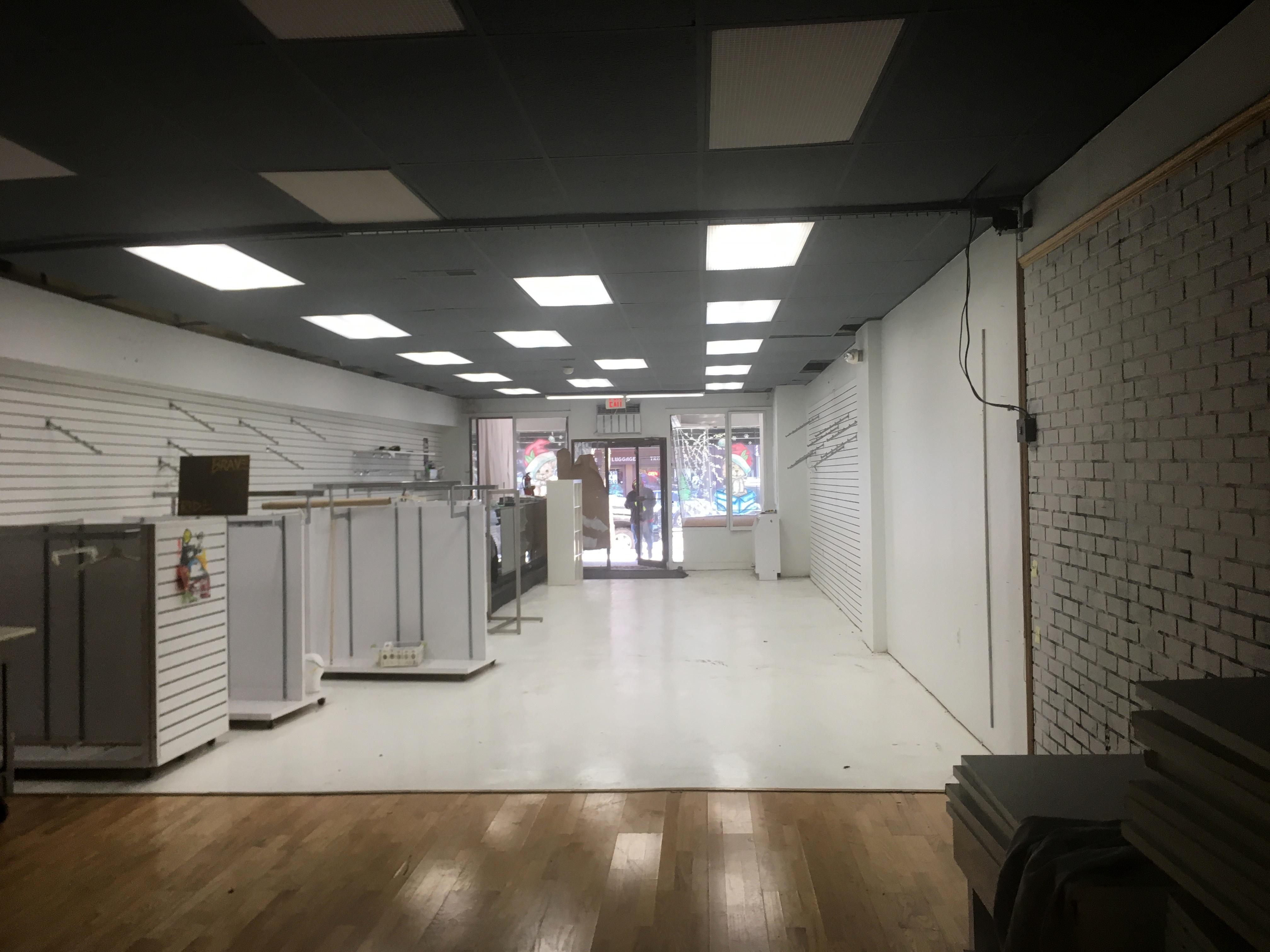 Interior Retail2