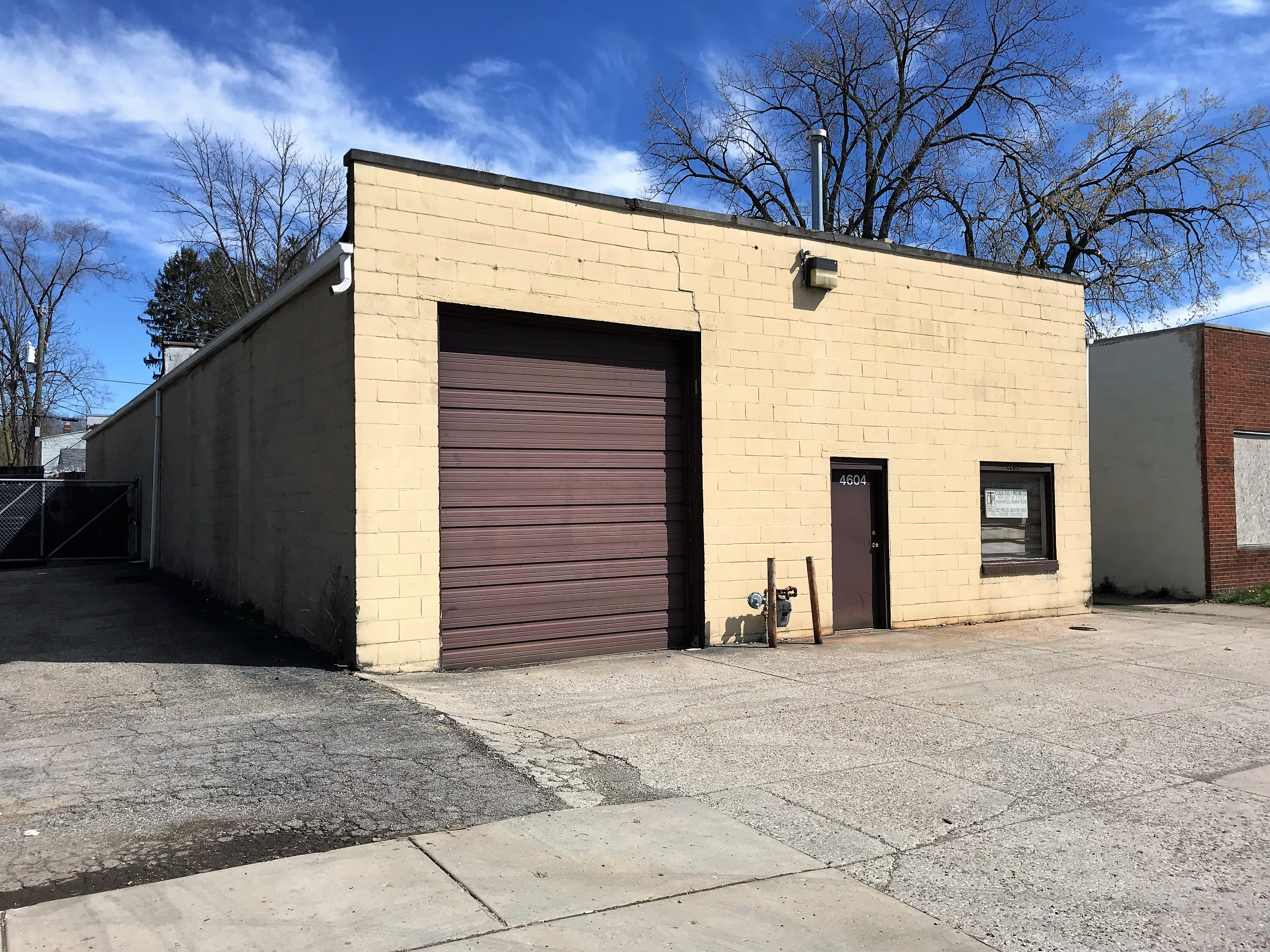 4,000 SF Commercial Building In Indianapolis, IN