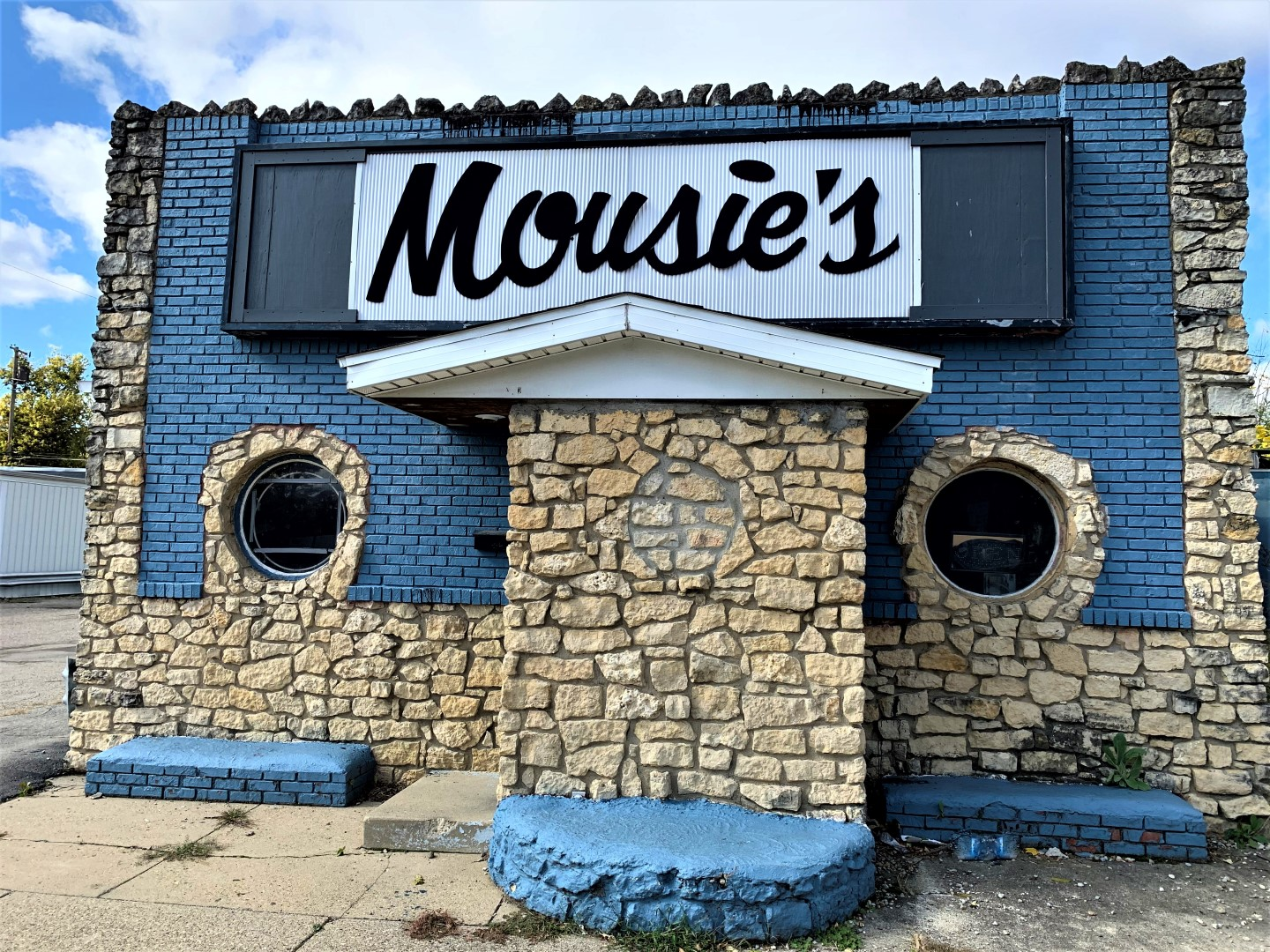 Mousie's Cafe & SFR's In Connersville, IN
