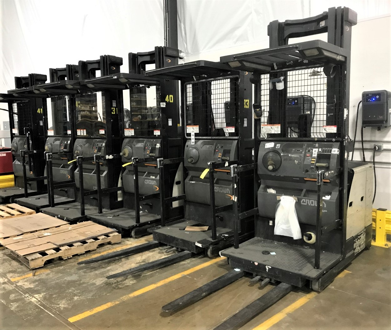 LIDS Surplus Warehouse Equipment & Furnishings Online Auction In Zionsville, IN
