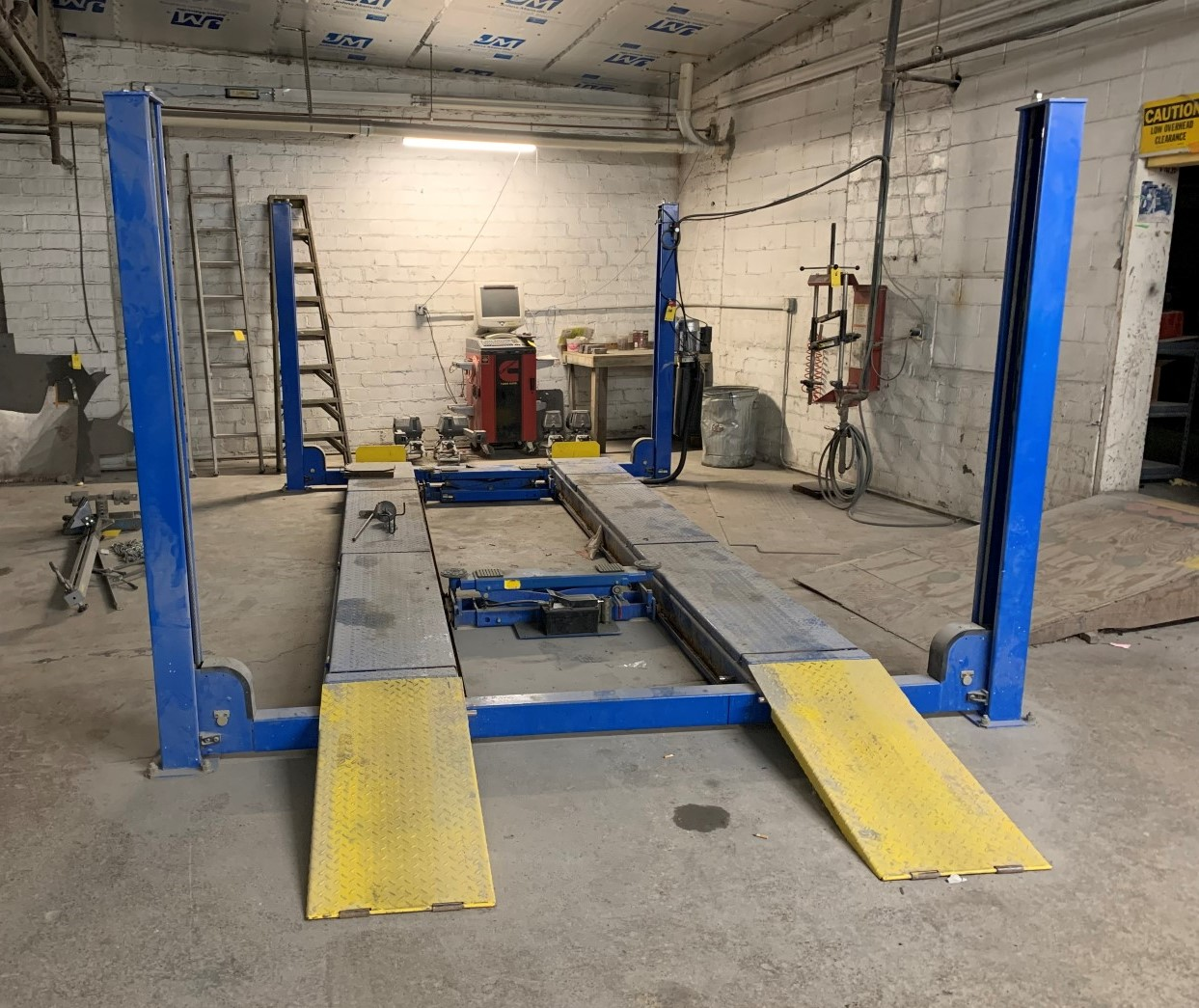 Auto Body Shop Equipment Online Auction In Broad Ripple, IN