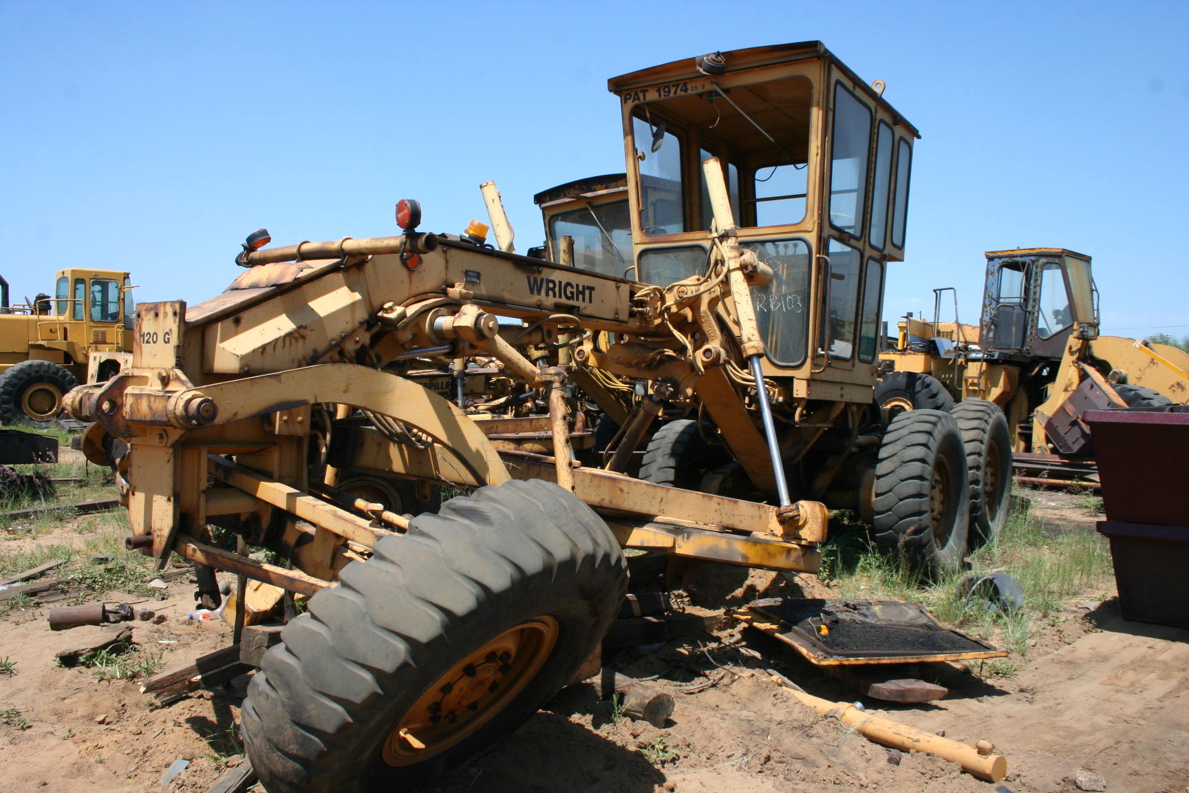 CAT 120G (Stripping For Spares)