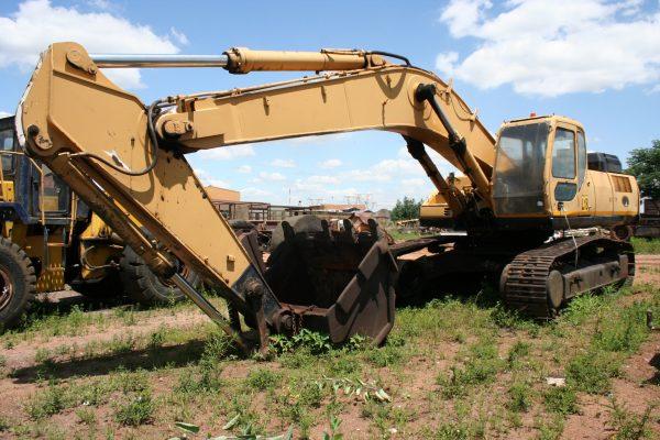 Excavadora Sumitomo SH450 (Desnudándose Por Repuestos)