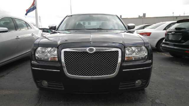 Used 2010 Chrysler 300