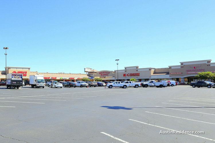 Cameron Road Capital Plaza Stores