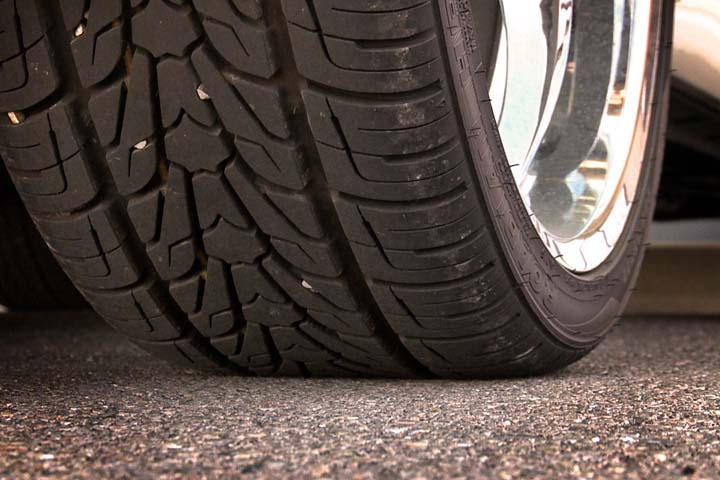 Larry's Automotive Tire Safety: Washington vs. Lincoln