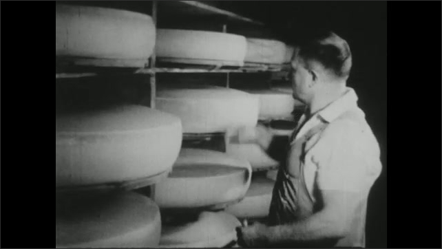 UNITED STATES 1940s : Cheese Being Produced