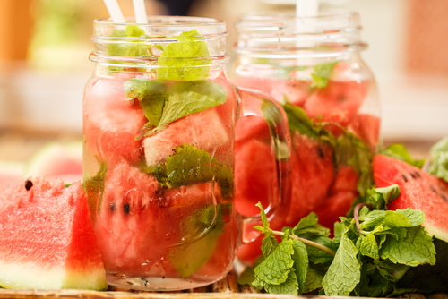 Make your own DIY detox drinks for daily enjoyment and cleansing