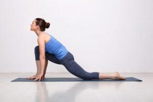lunge basic yoga pose for beginnres