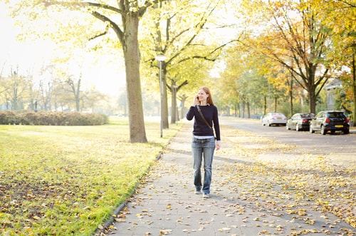 woman walking to lose weight and stop boredom eating