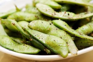edamame is one of the high protein, low carb snacks