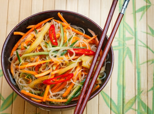 noodle bowls are one of the best healthy dinner ideas for weight loss