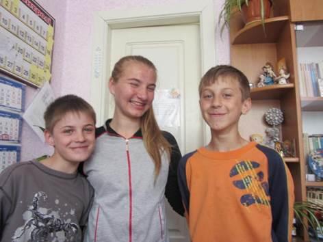 Tetyana, Ivan, Vitaliy Sergiyev (2)