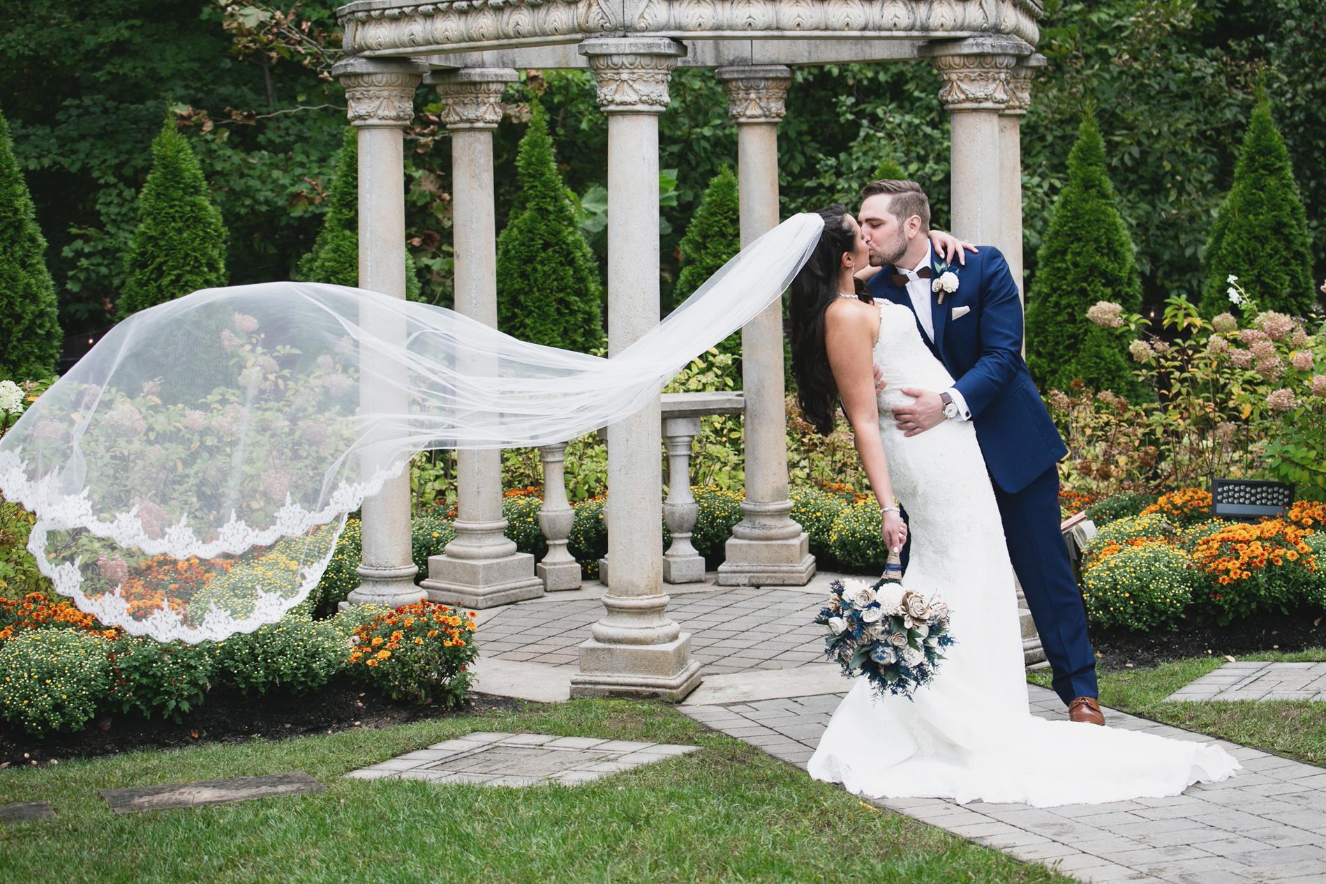 Nicole & Johnny Wedding Photos
