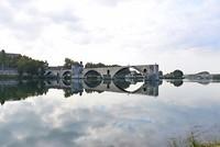 De brug vanaf het eiland