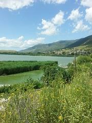 Het meer, gezien vanuit Nisi