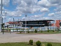 Het stadion bij de camping