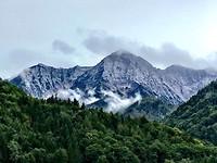 Onderweg de mooie bergen gezien